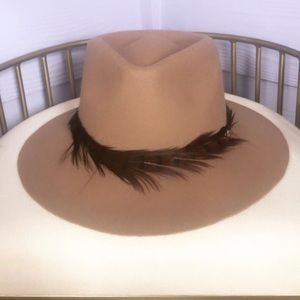 Michael Stars Accessories - ***SOLD*** MICHAEL STARS - pheasant feathers hat